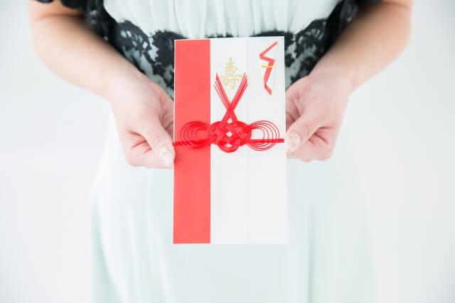 gosyugi02 - 5分でわかる!!! 同僚や友人の結婚式。お呼ばれゲストの服装とご祝儀は?