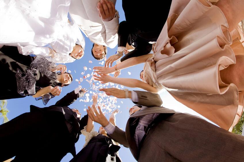 wedding - 5分でわかる!!! 同僚や友人の結婚式。お呼ばれゲストの服装とご祝儀は?